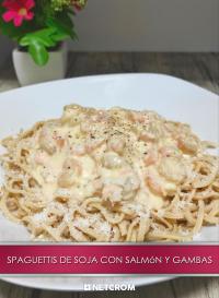 Cromo 9. Spaguettis de soja con salsa de salmón y gambas